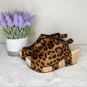 NWOT Volatile Picadillo Cheetah Open Toe Wedges